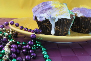 Mardi Gras King Cake Cupcakes