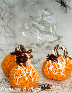 Spooky Spider Krispie Treats-4855